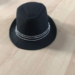 Women's hat with rinestones
